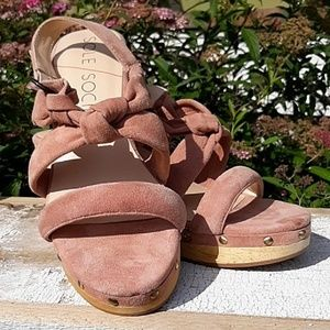 Sole Society Suede & Wooden Heeled Clog/Sandal 8.5